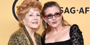 122816-celebs-debbie-reynolds-carrie-fisher